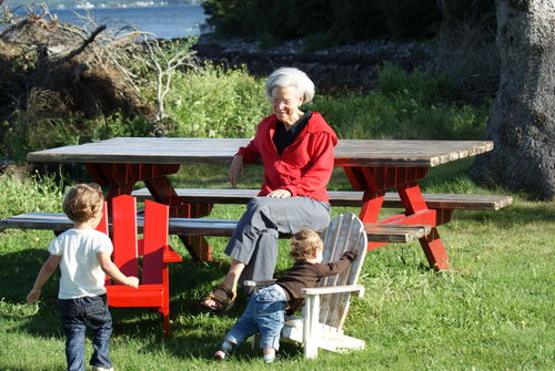 Grma and kids in chairs